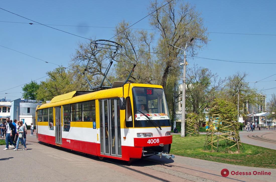 ДТП на Фонтане парализовало движение трамваев (обновлено)