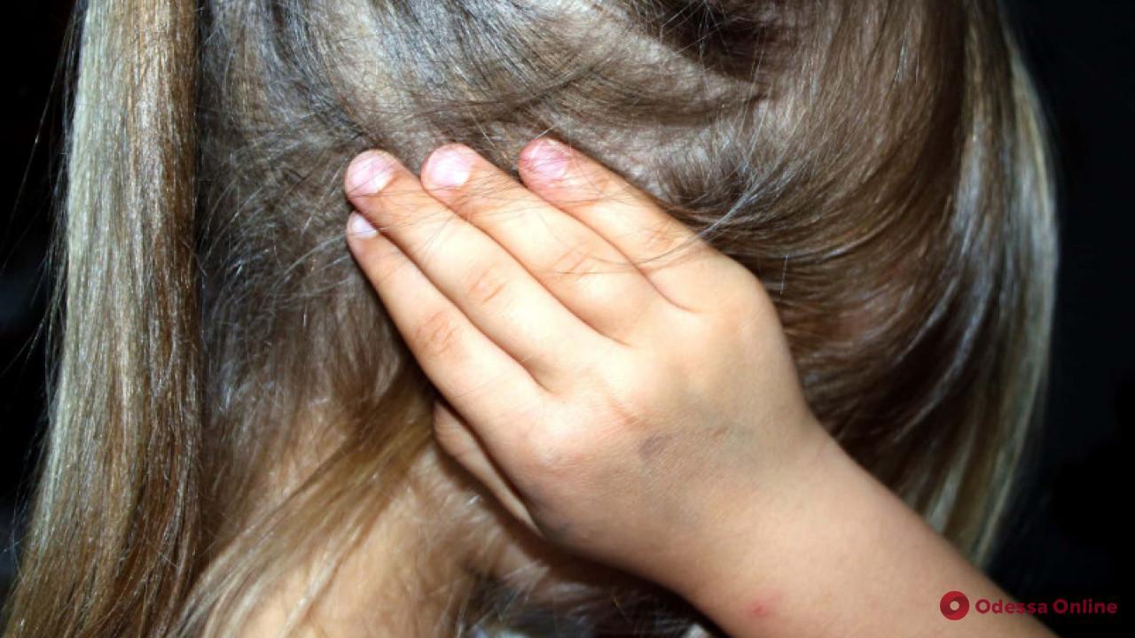 Одесситка обокрала 4-летнюю малышку с ДЦП