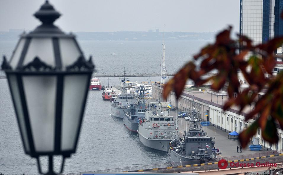 В Одесском порту пришвартовались четыре корабля НАТО