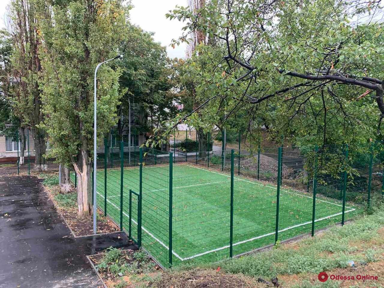 На Балковской капитально ремонтируют школьный стадион