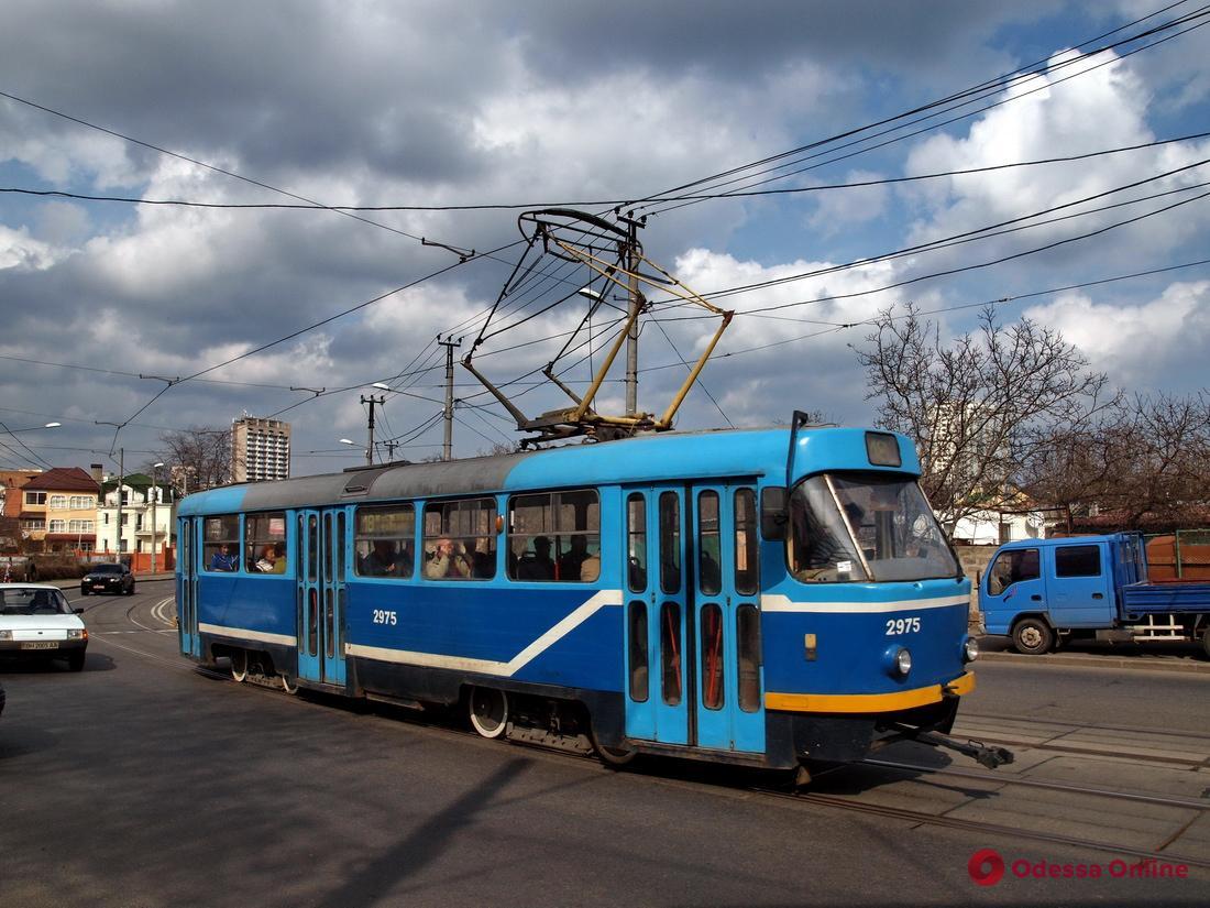 Авария на 5-й станции Фонтана заблокировала движение трамваев