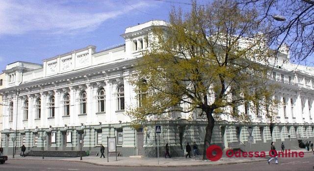 Украинскому театру требуется 4 миллиона на устранение недостатков пожарной безопасности