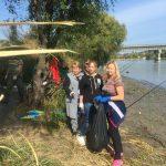 Мусор, разрушение берега, браконьеры и «замки»: одесский биолог рассказал об экологических проблемах Днестра