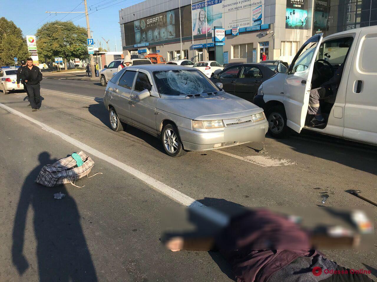 На Грушевского автомобиль насмерть сбил женщину