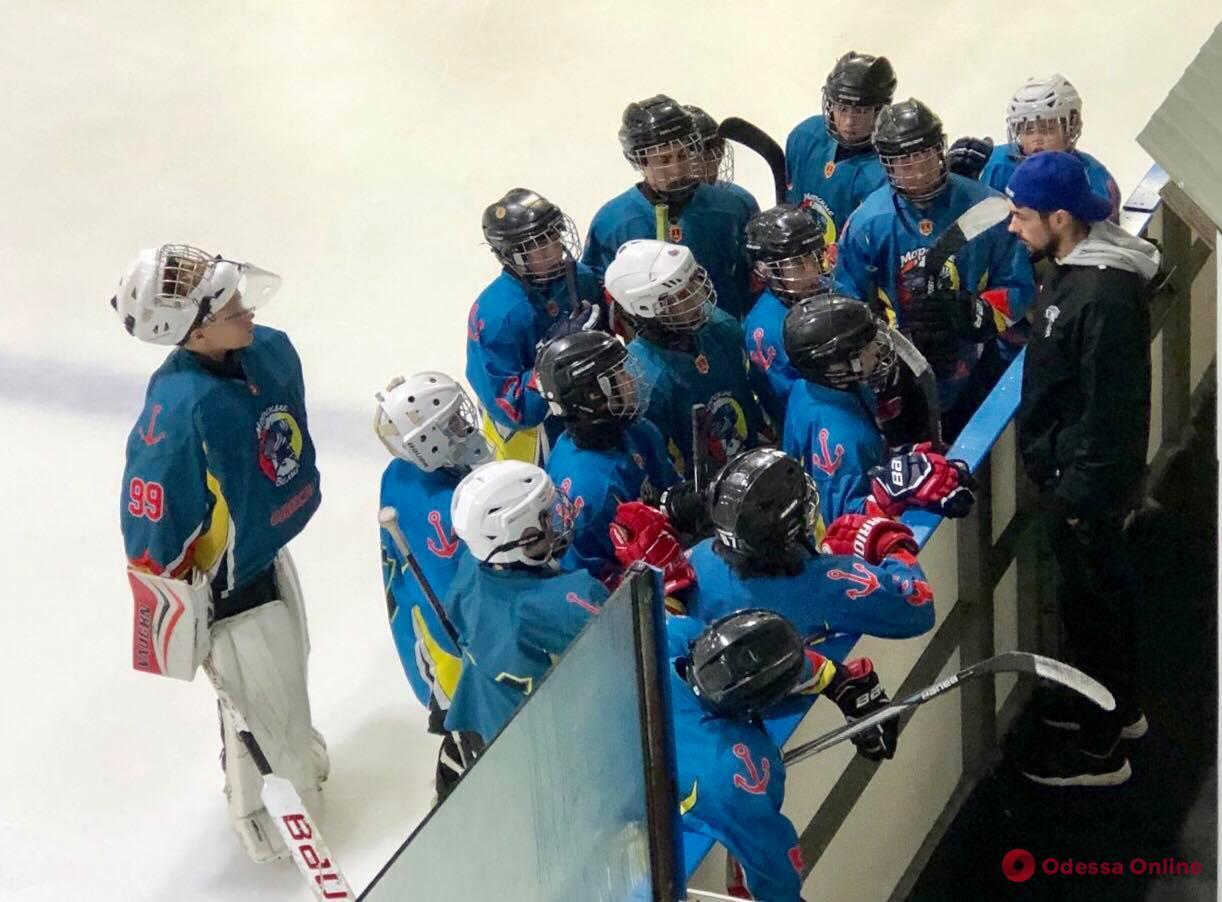 Хоккей: одесские «Морские волки» обменялись победами с киевлянами