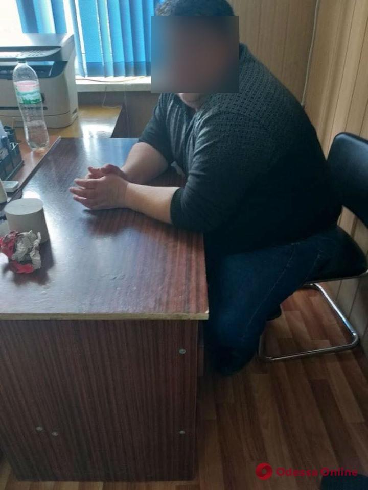 Под Одессой юриста сельсовета поймали на взятке