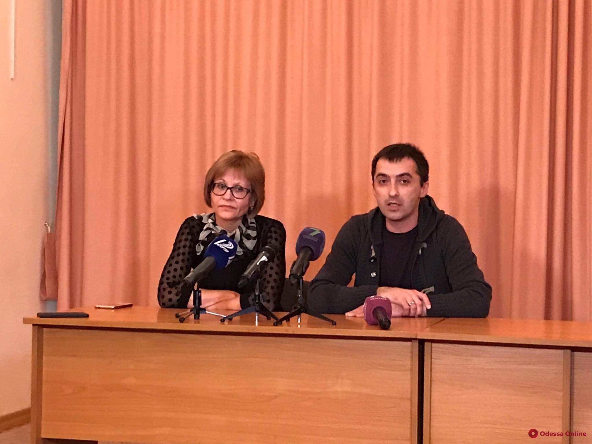 Скандал в «Свитанке»: очная ставка активистки Мельник и отстраненной дирекции
