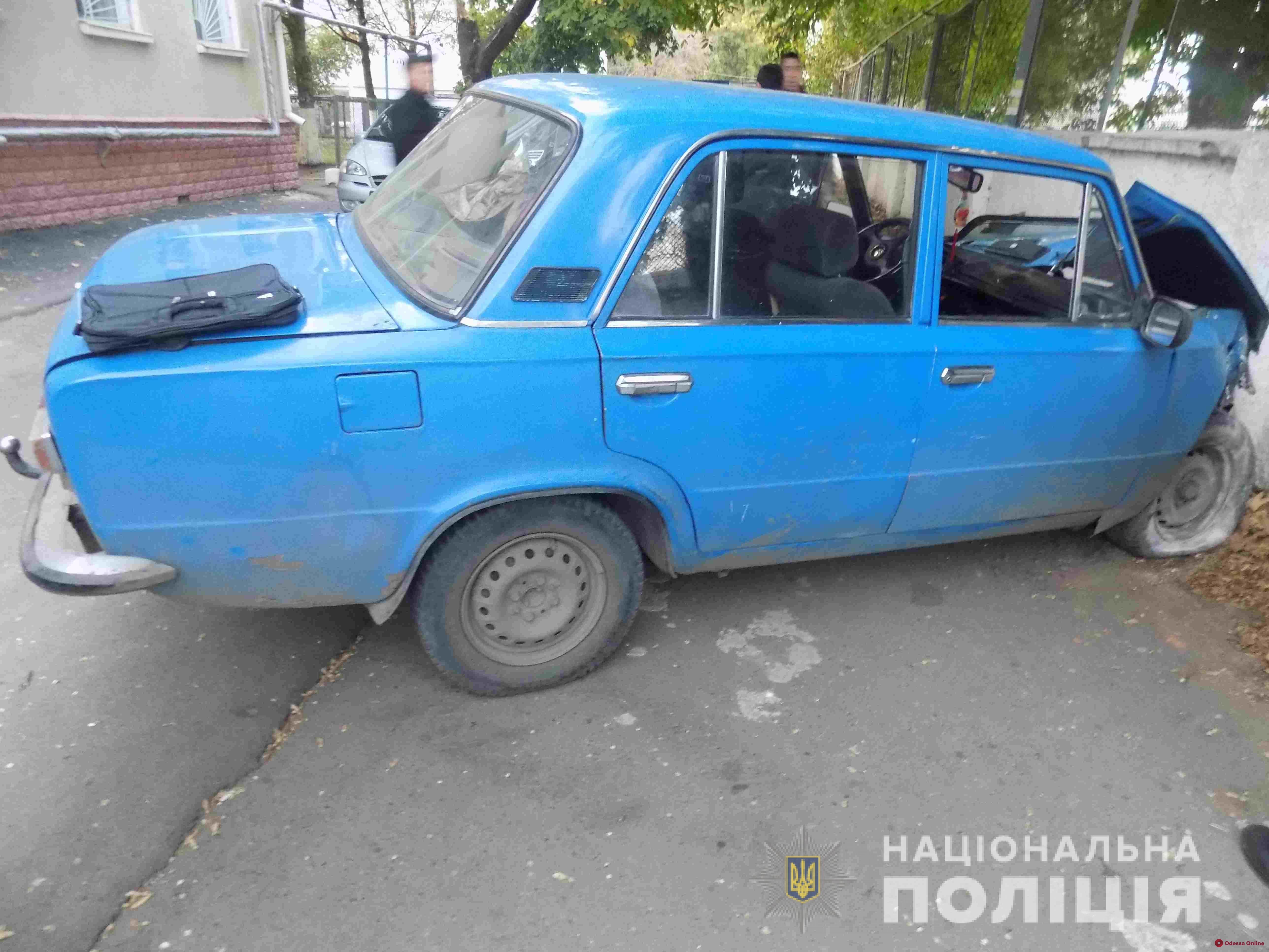 В Одесской области пьяного угонщика «Жигулей» остановил бетонный забор