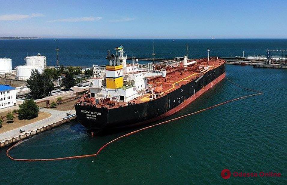 Перевалка нефтепродуктов в Одесском порту выросла в три раза