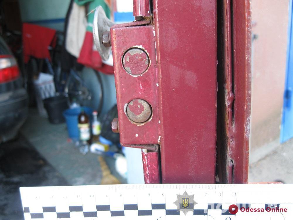В Одесской области гаражный вор «спалился» на сломанном авто