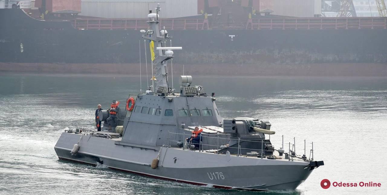 Недалеко от Одессы в Черном море протестируют новый бронекатер