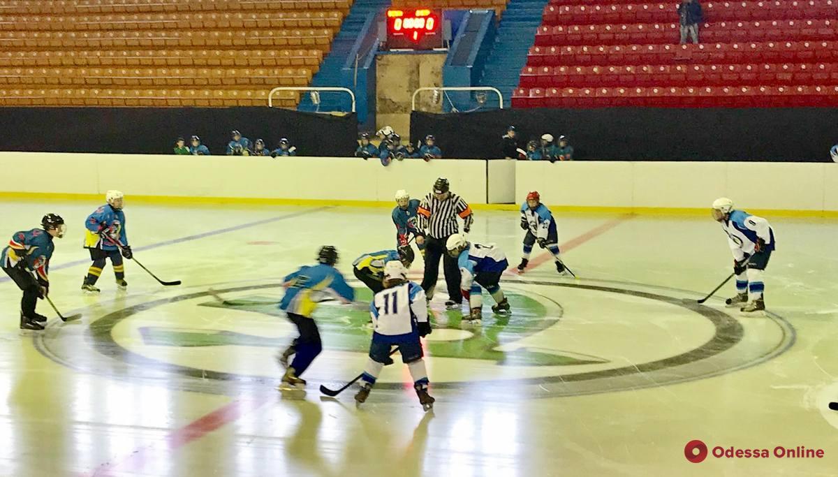 Хоккей: одесские «Морские волки» уверенно стартовали в Украинской молодежной хоккейной лиге