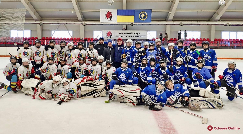 Одесские хоккеисты продолжили победную серию в Украинской молодежной хоккейной лиге