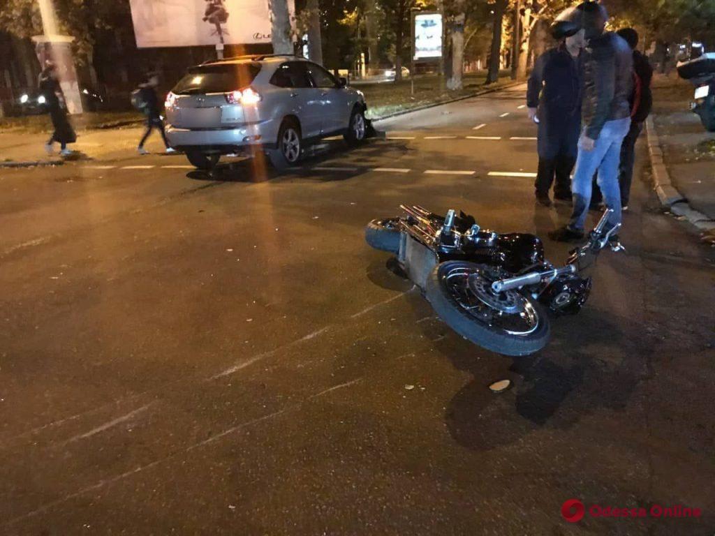 На Краснова столкнулись внедорожник и мотоцикл