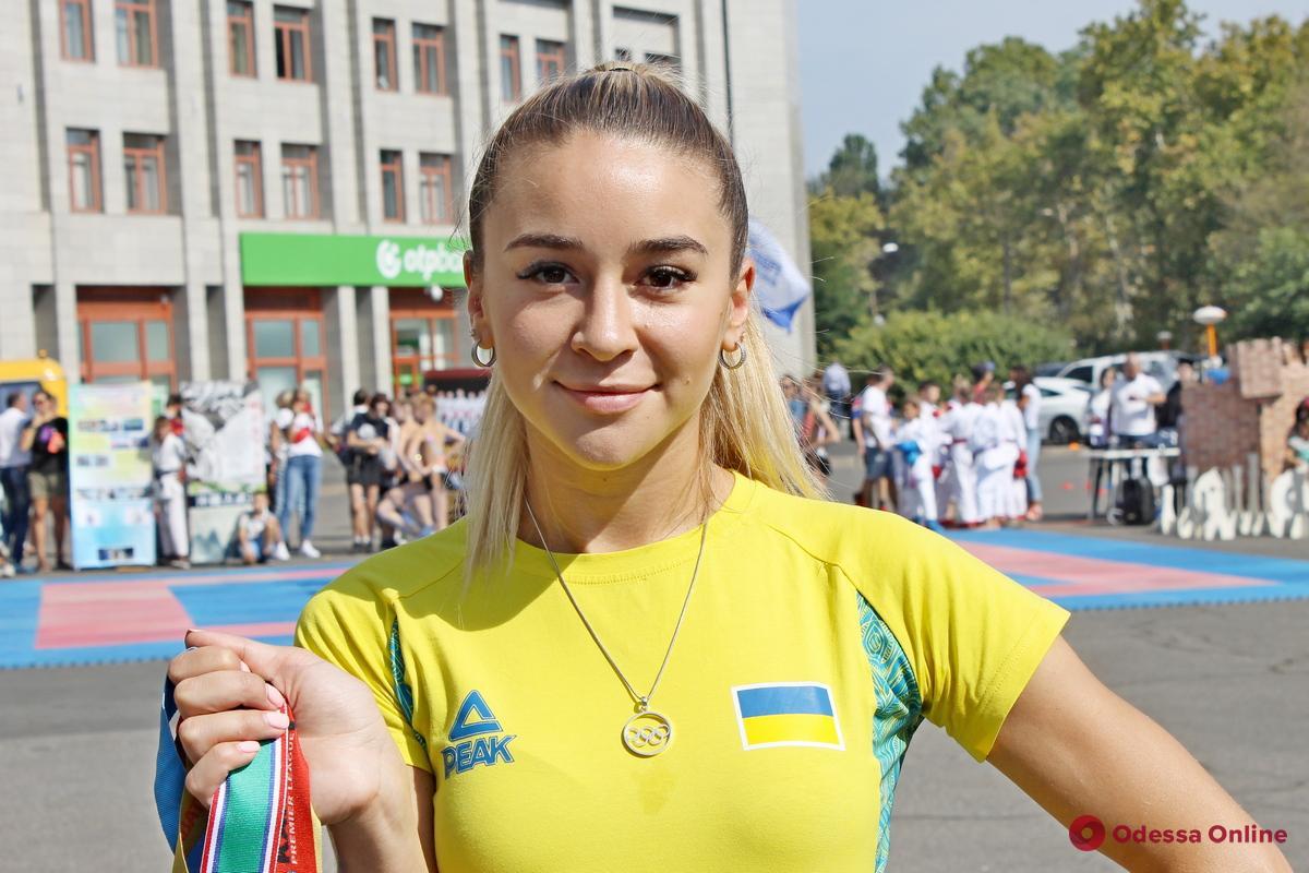 Невероятная одесская каратистка завоевала очередное «золото» Премьер-лиги