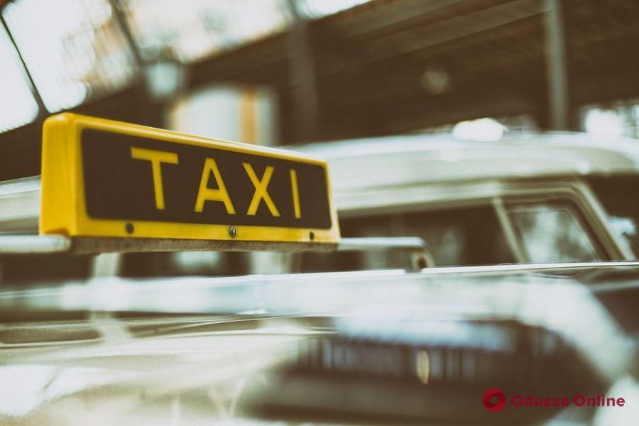 В Одесской области таксист отделался условным сроком за нападение на пассажира