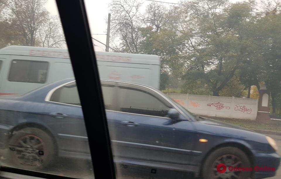 На Люстдорфской дороге из-за аварии образовалась пробка