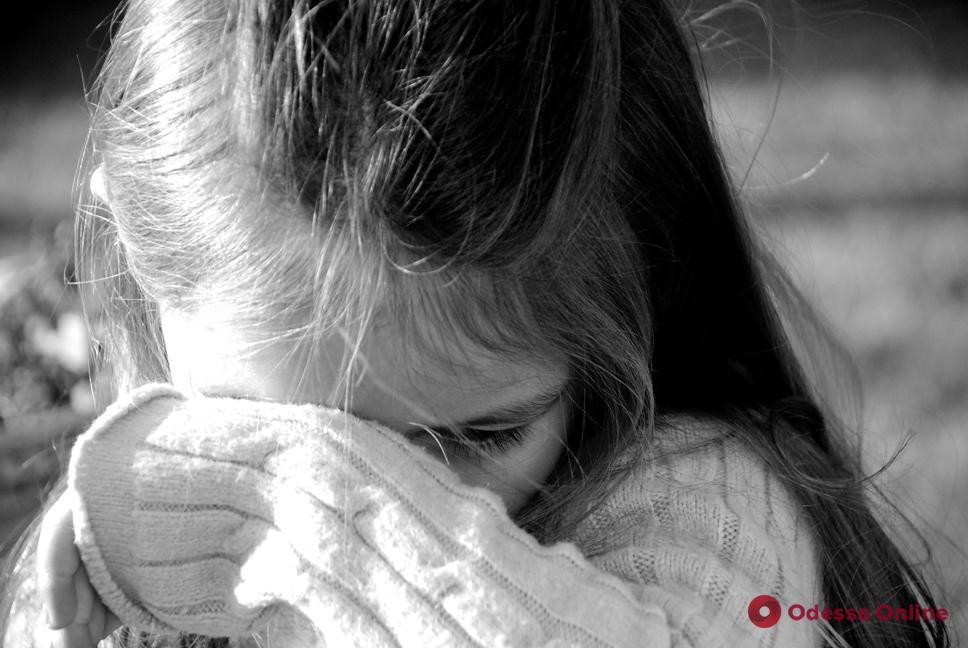 Одесситка сообщила о похищении пятилетней внучки — ребенка могут вывезти из страны