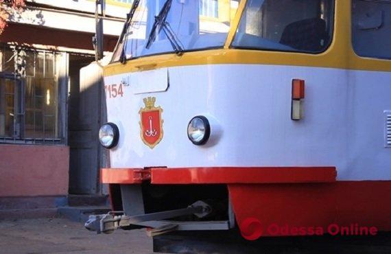 На Дальницкой на ходу загорелся трамвай (видео)