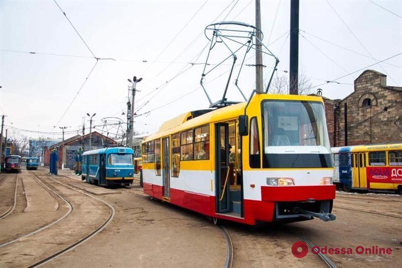 ДТП на Канатной парализовало движение трамваев и троллейбусов