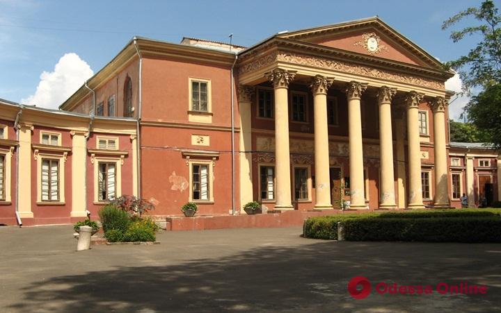 Ройтбурд подал в суд из-за решения уволить его с поста директора Художественного музея