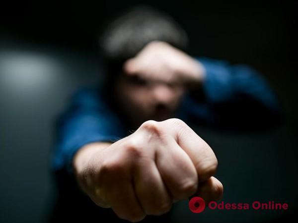 Одесский суд отправил в СИЗО дебошира, который ударил полицейского