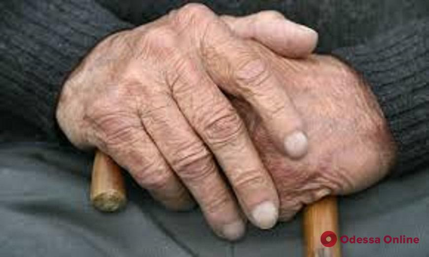 Одесские патрульные помогли заблудившемуся пенсионеру вернуться домой