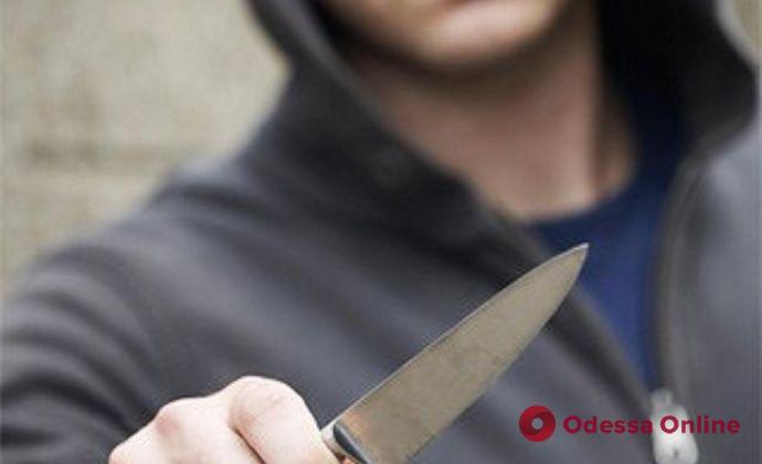 В Одессе конфликт между мопедистом и пешеходом закончился поножовщиной