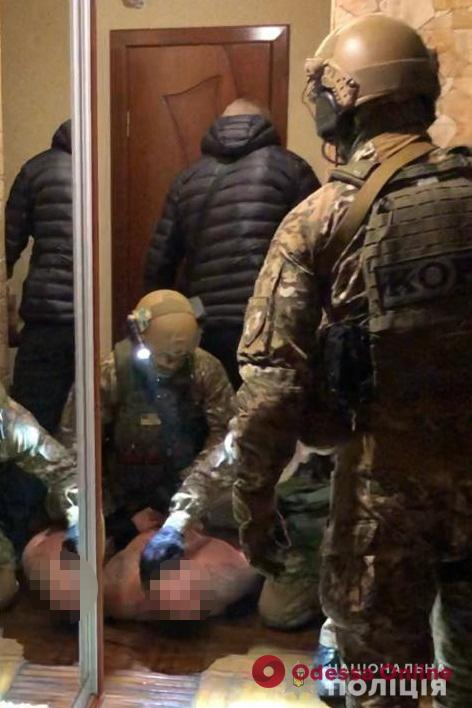 В Одессе поймали опасную банду разбойников и вымогателей (фото, видео)