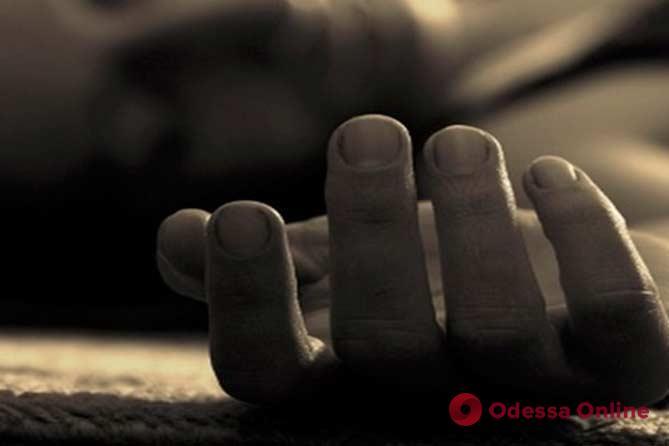 В одесском сквере на скамейке умер мужчина