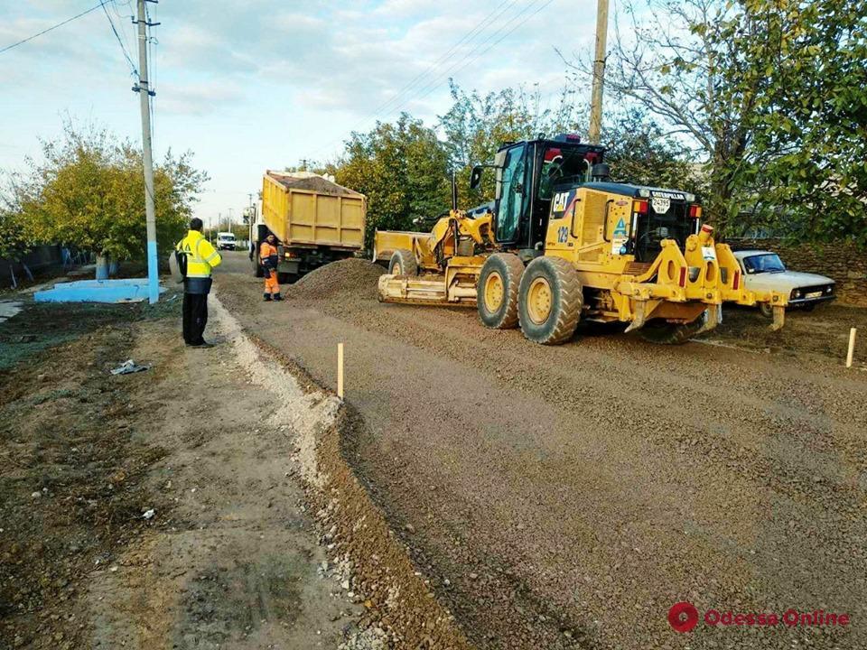 В четырех районах Одессы ремонтируют дороги: движение ограничено