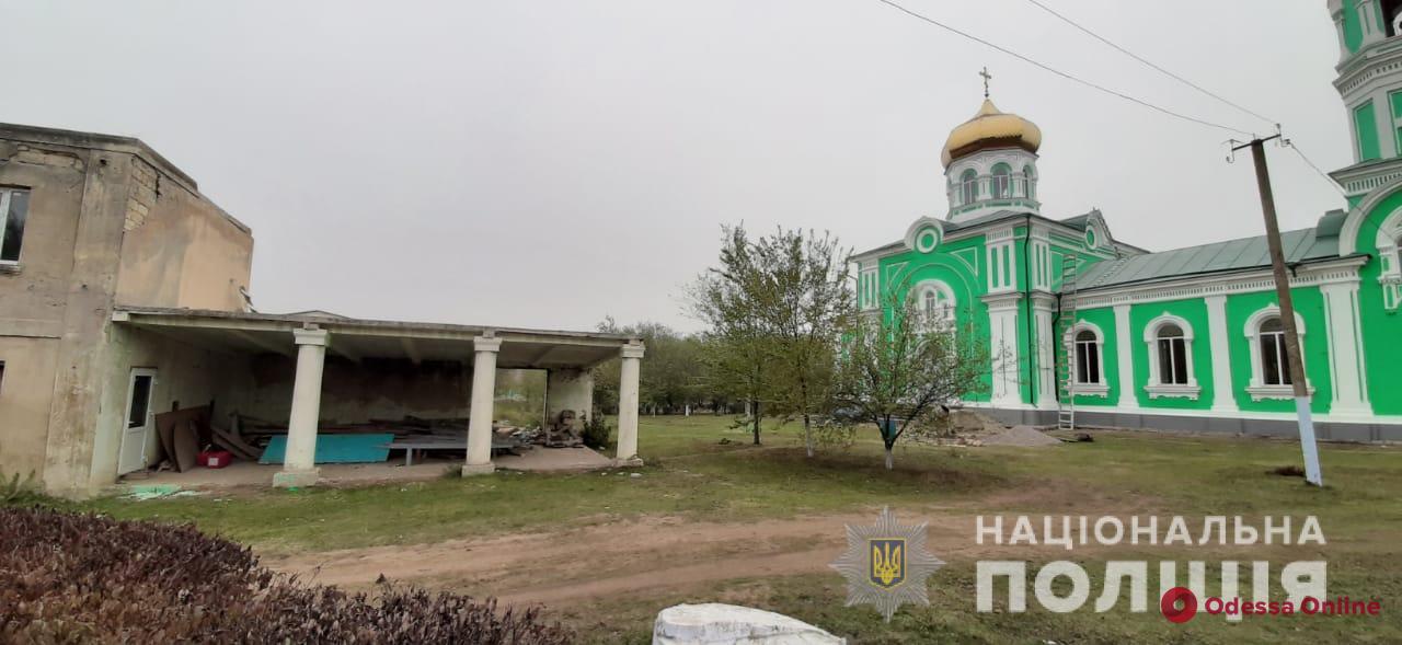 Житель Одесской области украл из церкви холодильник