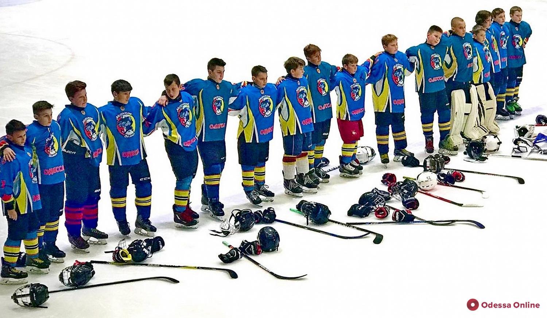 Бесконечные буллиты: одесские хоккеисты дважды сразились с киевским «Соколом»