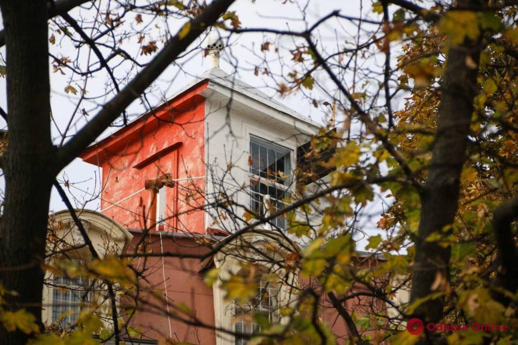 Путеводный свет на крыше: о «младшем брате» Воронцовского маяка (фото)
