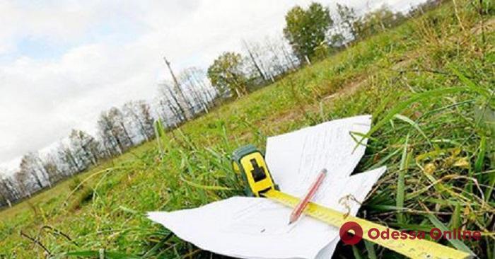 Одесской гимназии вернули земельный участок на полтора миллиона