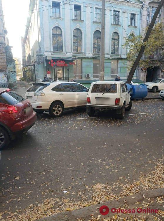 На Новосельского не разминулись «Лексус» и «Нива»