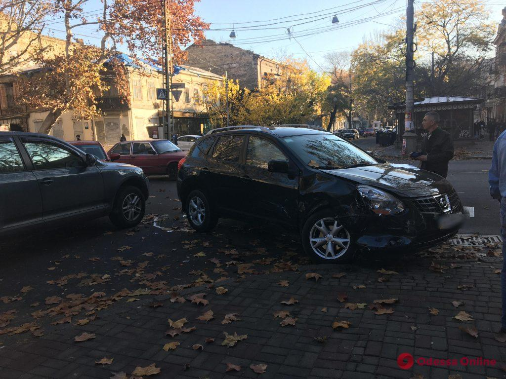 На Ришельевской произошло тройное ДТП (обновлено)
