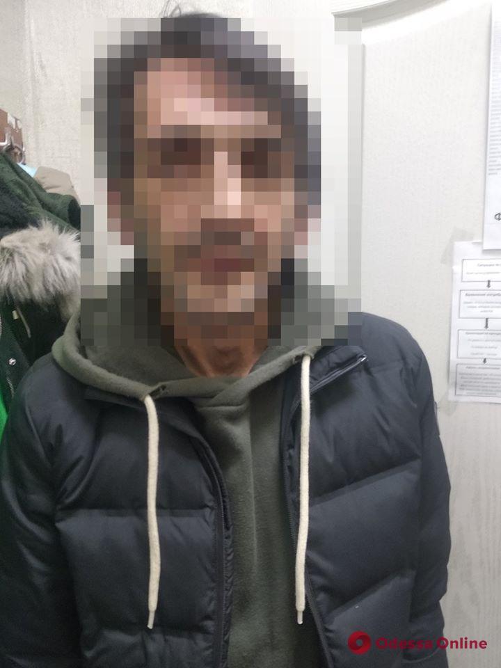 В одесском магазине поймали грабителя-нелегала