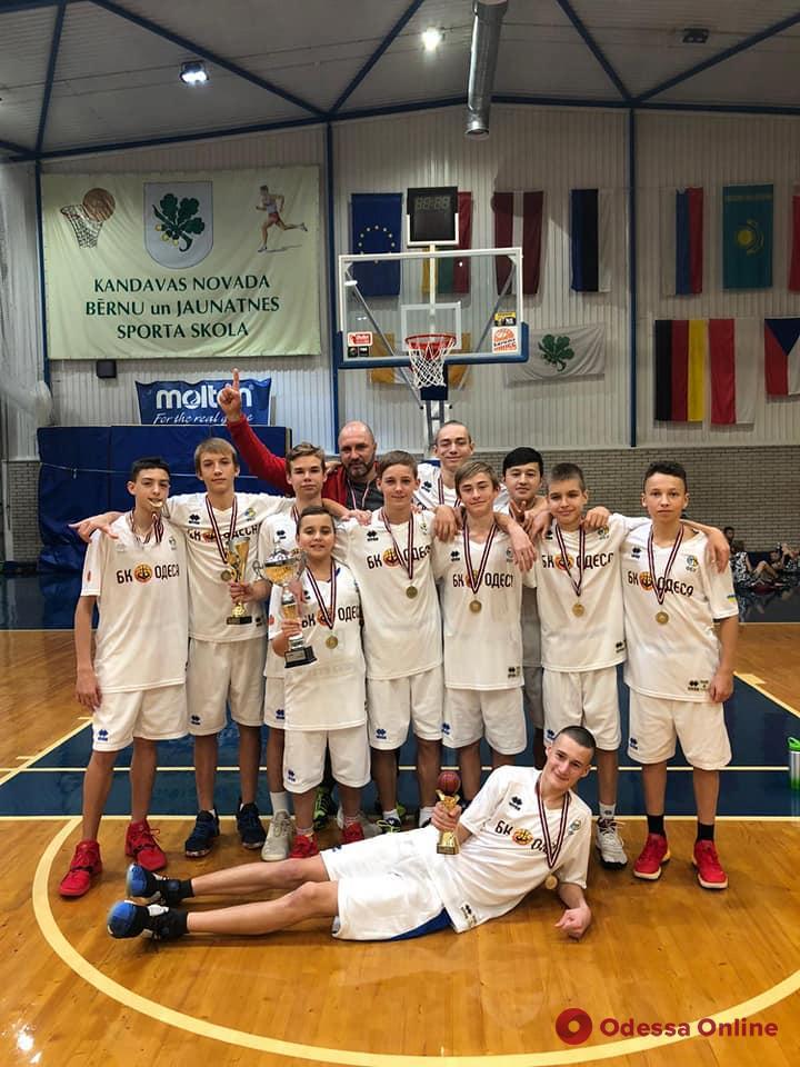 Баскетбол: юные одесситы триумфально дебютировали на международной арене