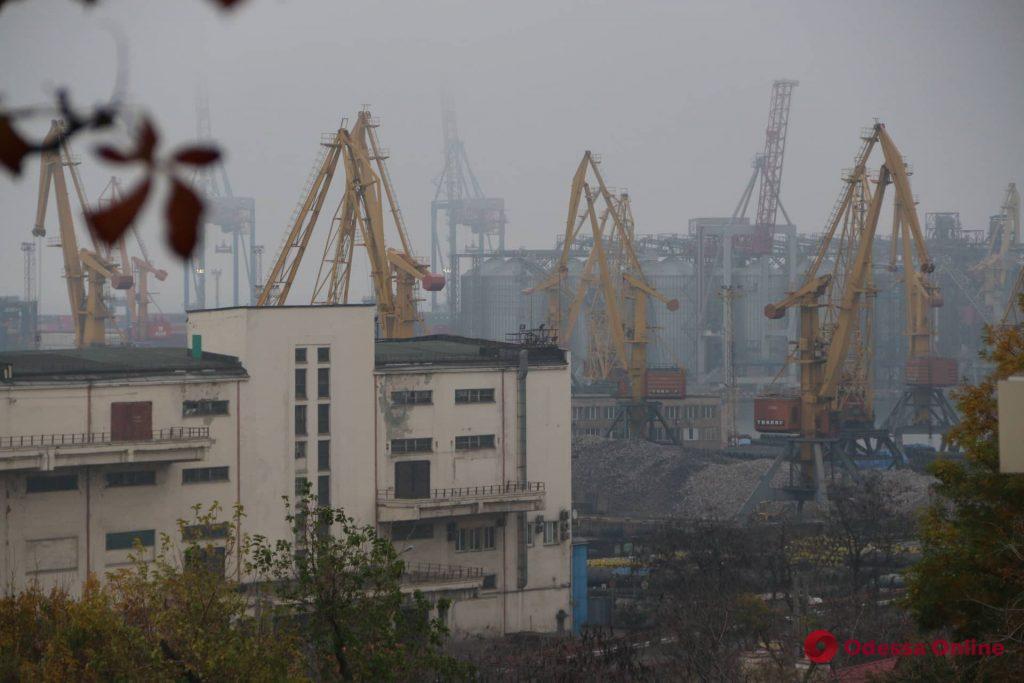 Одессу накрыл туман (фоторепортаж)