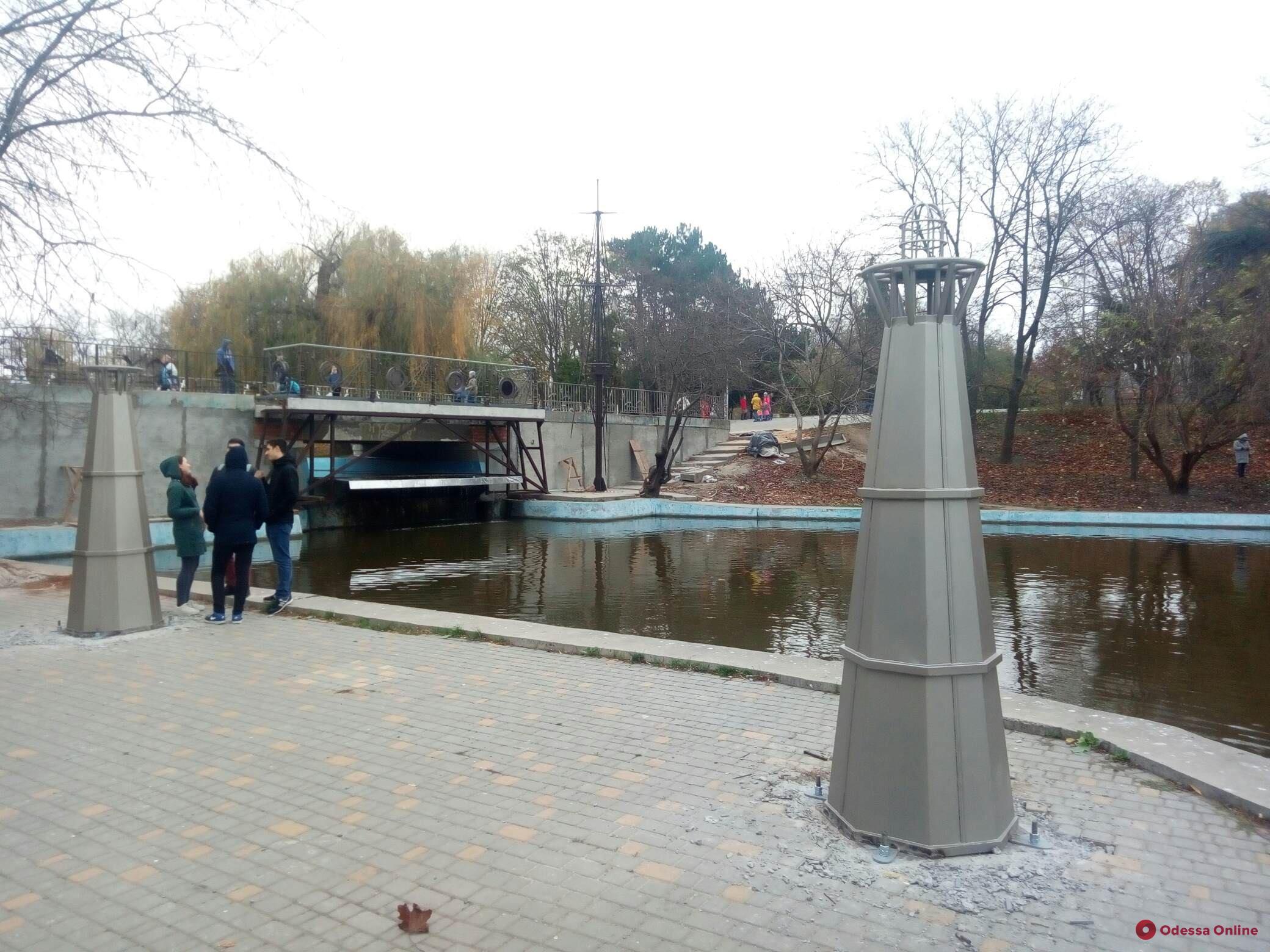 Парк Победы: большой пруд превращают в «маленькое море» (фотофакт)