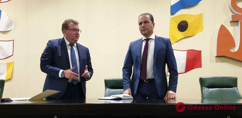 Коллективу порта «Южный» представили нового руководителя