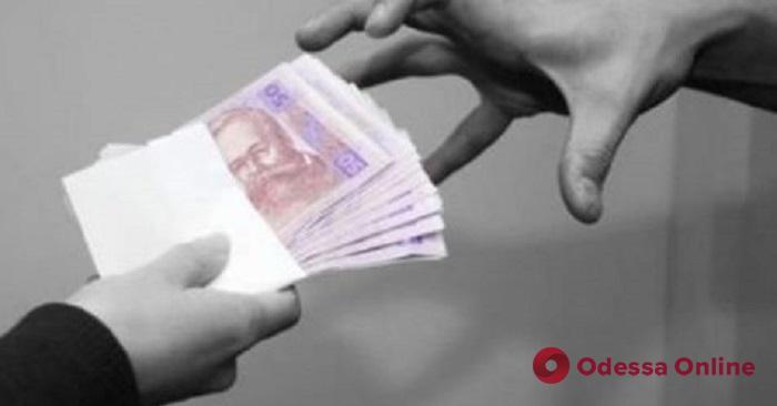В Одессе чиновника исполнительной службы будут судить за взятку