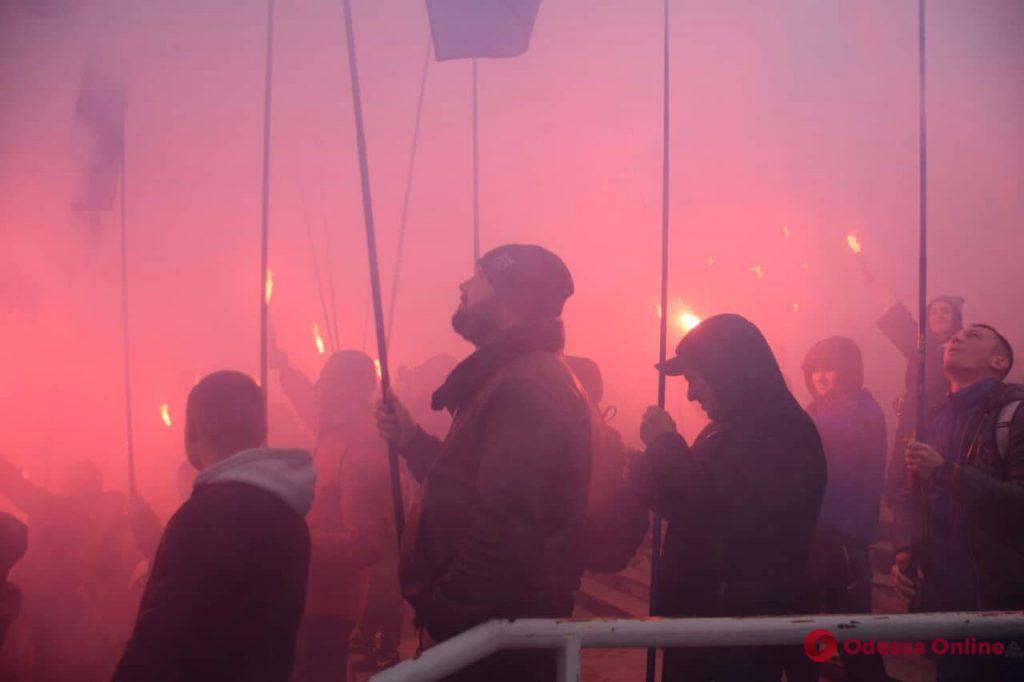 В Одессе активисты прошлись маршем против олигархов (фото)