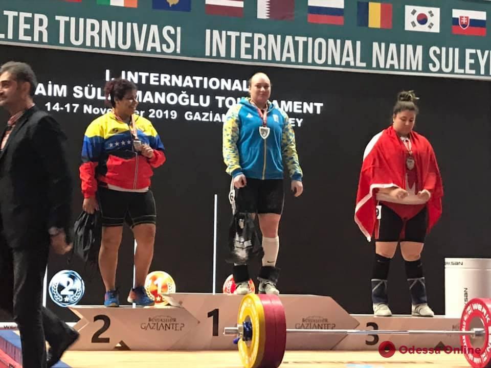 Черноморская тяжелоатлетка выиграла турнир в Турции и завоевала лицензию на Олимпийские игры