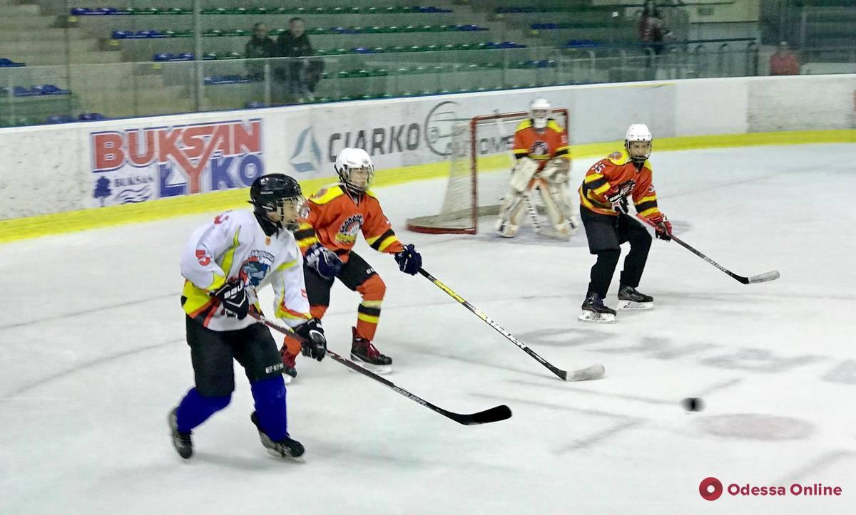 Хоккей: юные одесситы сыграли матчи второго этапа международного турнира в Польше