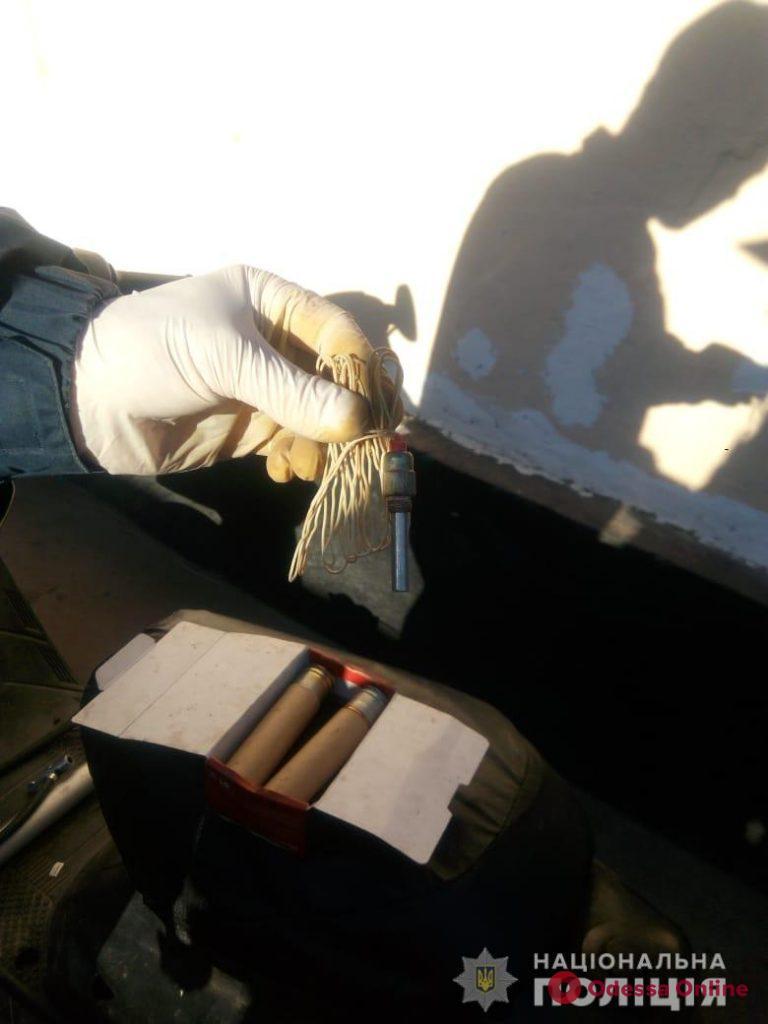 Житель Одесской области хранил в гараже тротиловую шашку и гранаты