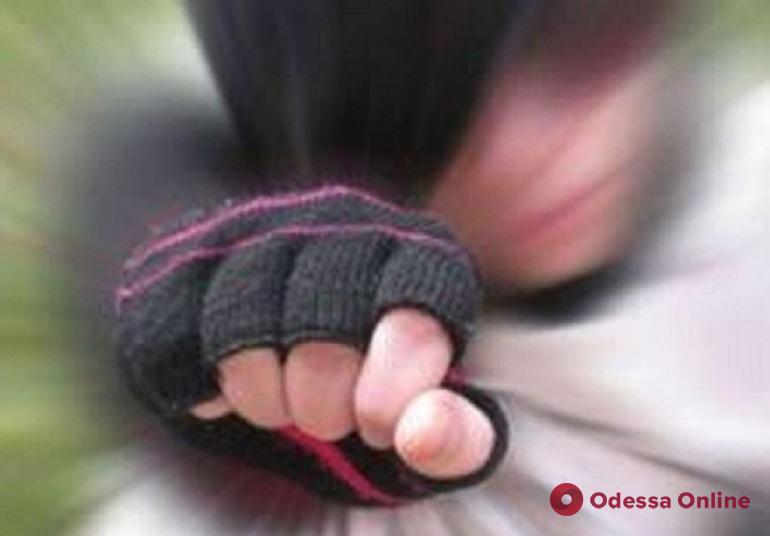 Одессит избил бездомного и отобрал у него телефон