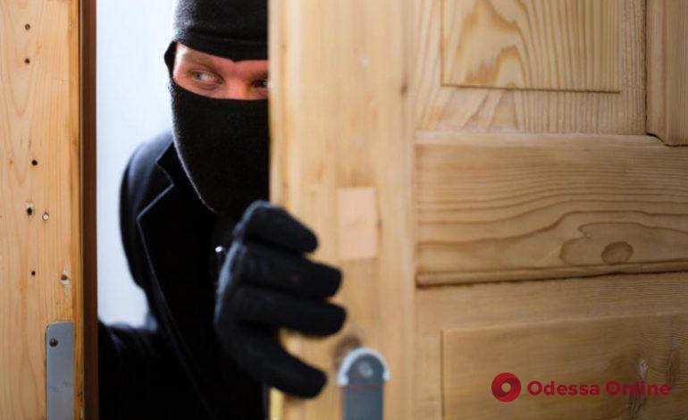 В Одессе на горячем поймали домушника-рецидивиста
