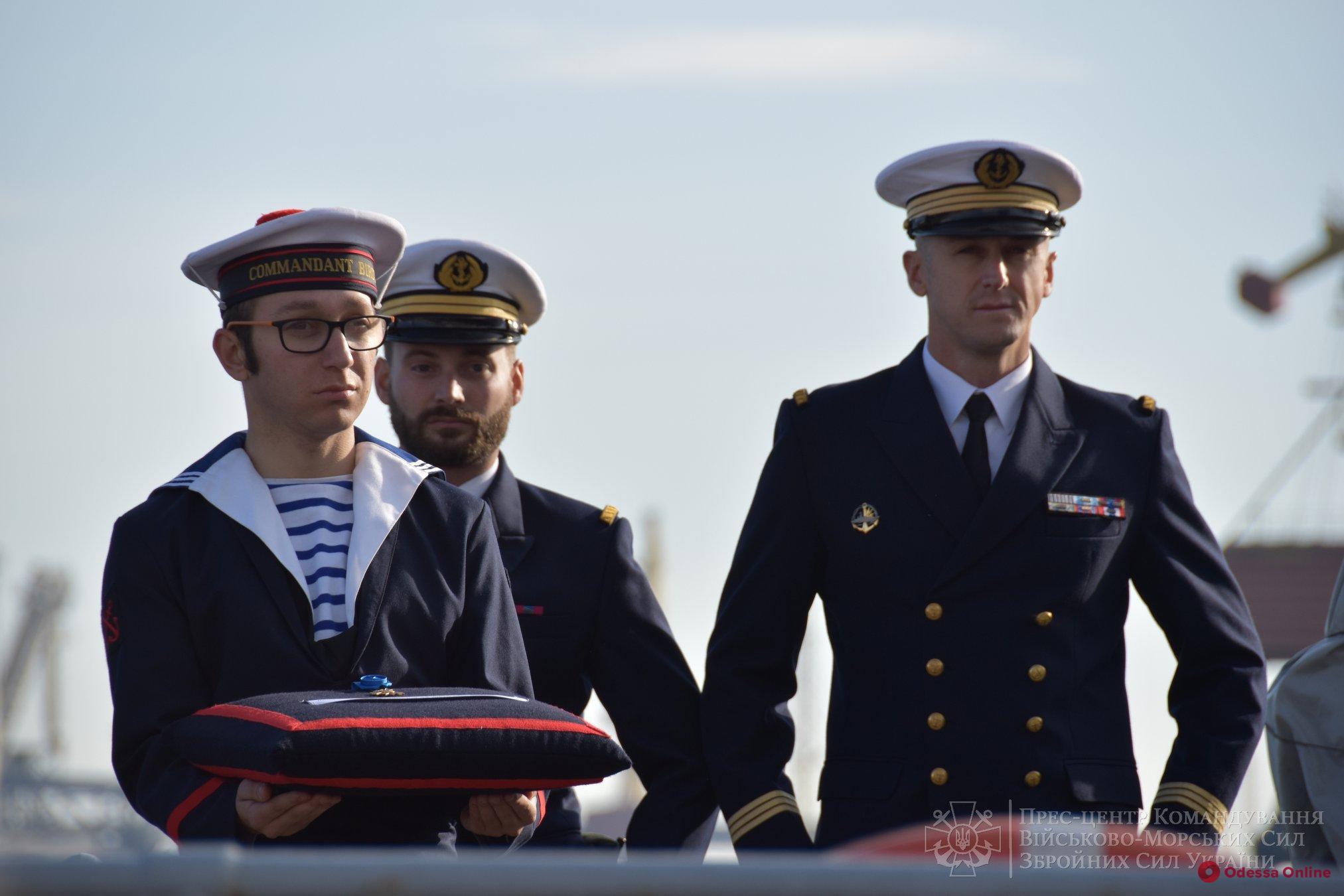 В Одессе командующего ВМС Украины наградили французским орденом «За заслуги»